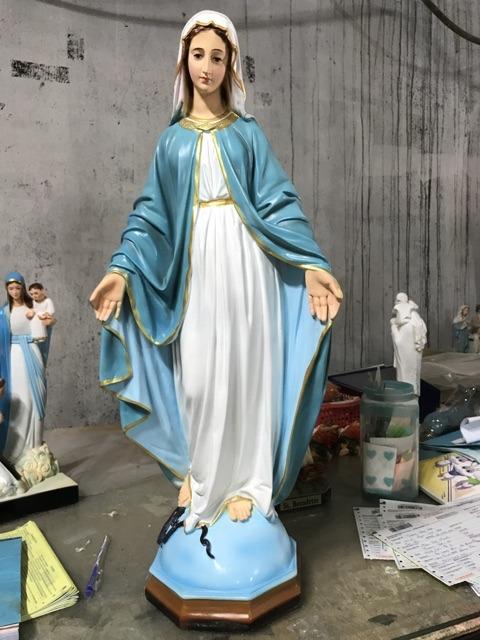 Điêu Khắc Tượng Đức Mẹ Cần Hết Sức Tỉ Mỉ Từng Chi Tiết Nhỏ