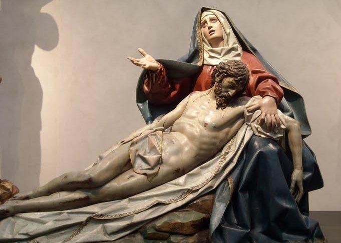 Đức Mẹ sầu bi cầu nguyện cho con cái